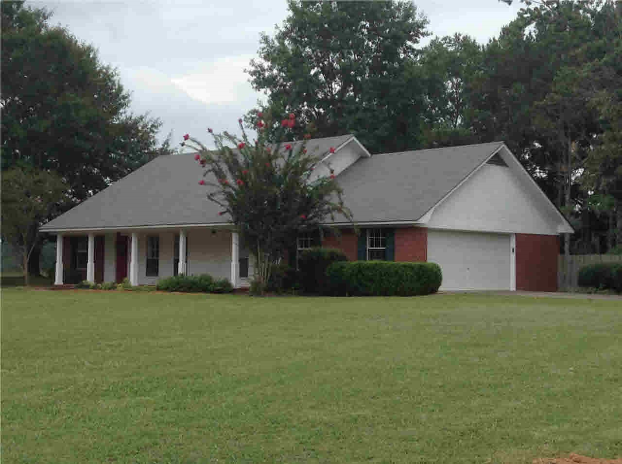 34 Dr Brantley Rd, Philadelphia, MS 39350