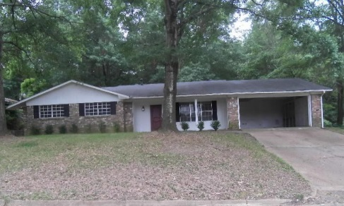 Photo of 318 OAKHILL CIR  Clinton  MS