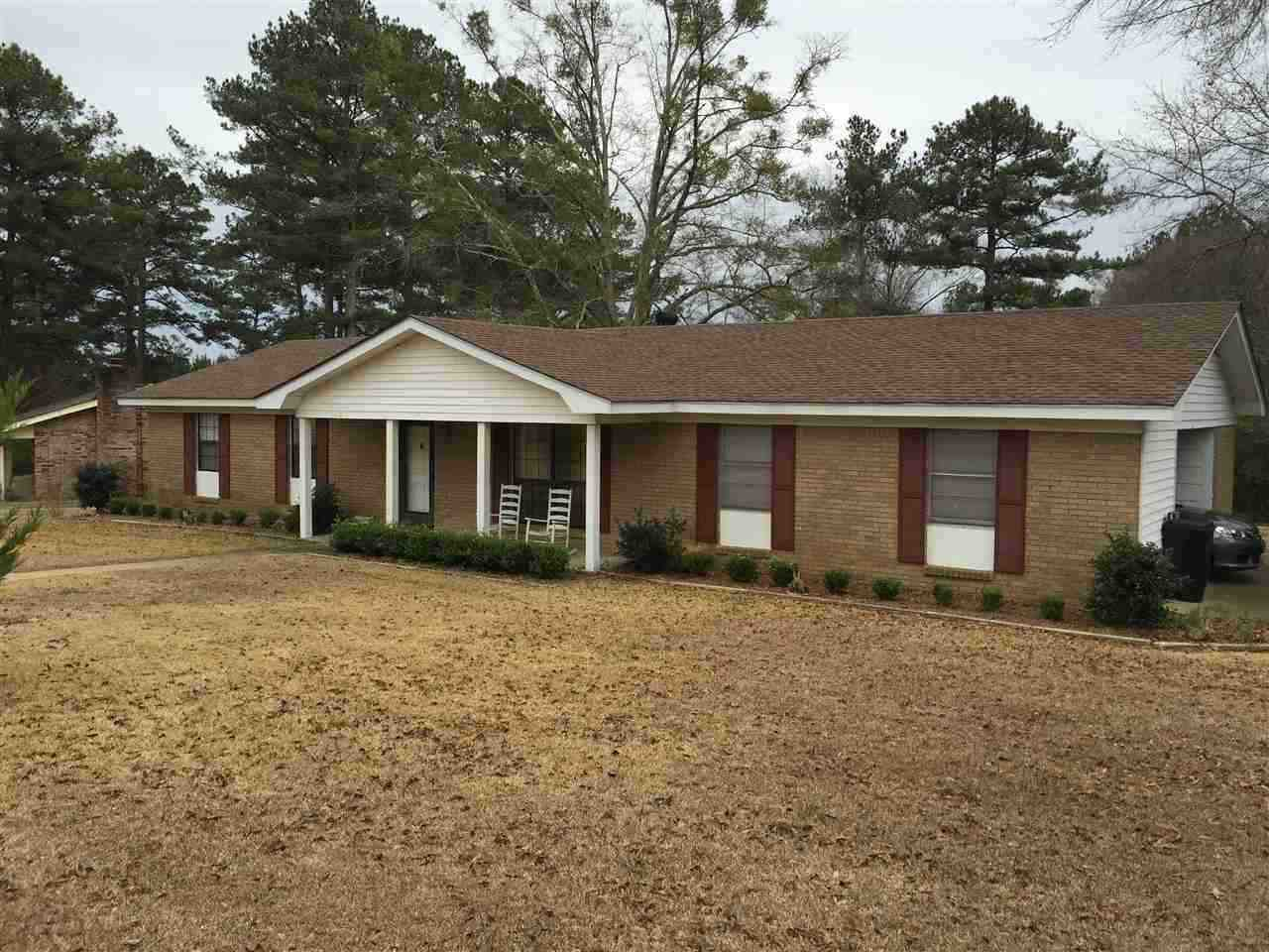 Photo of 600 PINEWOOD DR  Magee  MS