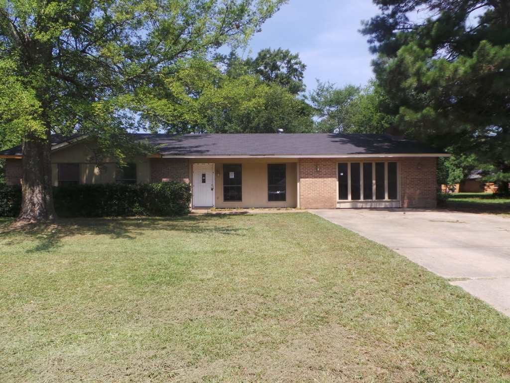 Photo of 109 TRAVIS DR  Crystal Springs  MS