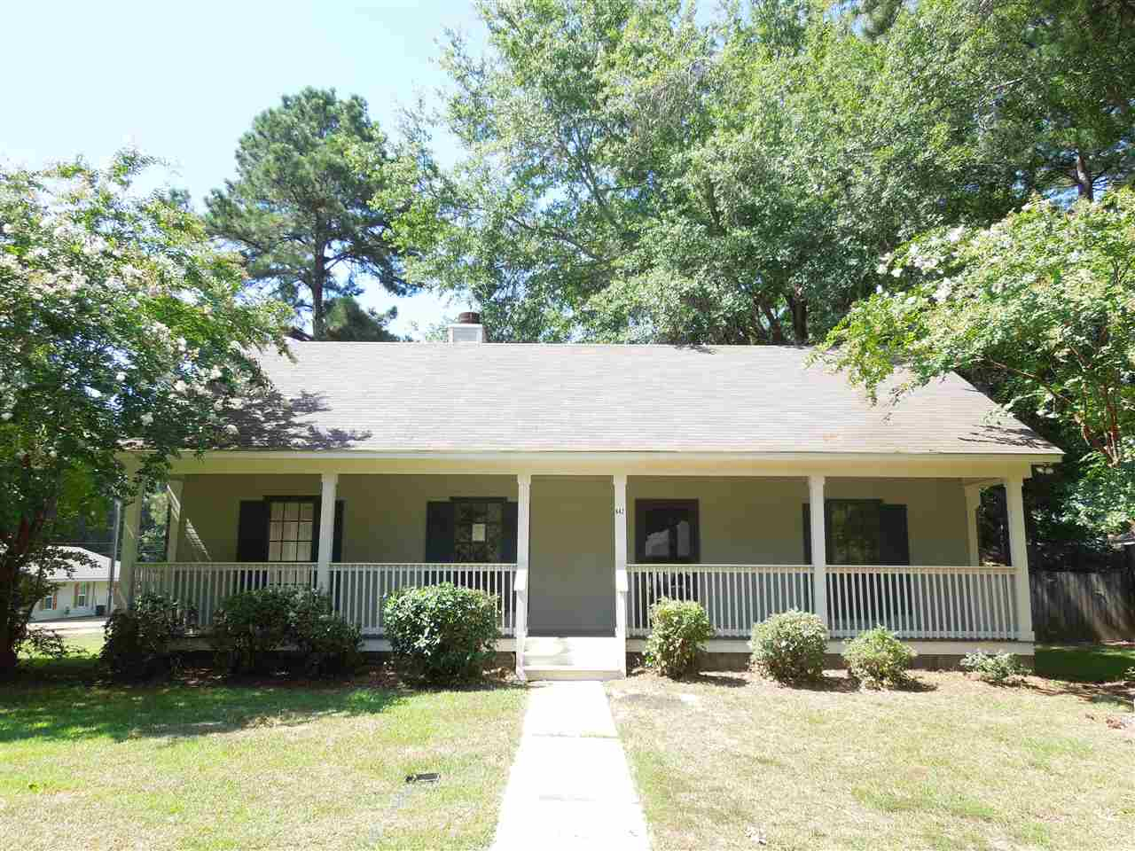 Photo of 662 TWIN HARBOR PL  Madison  MS