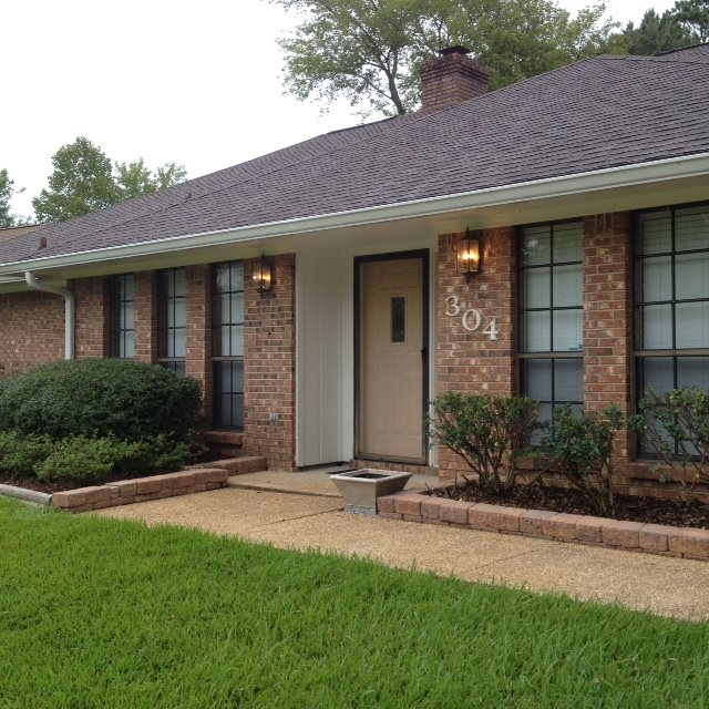 304 Winding Hills Dr, Clinton, MS 39056