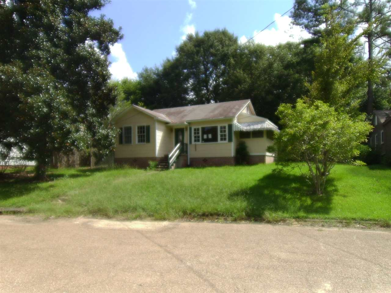 Photo of 205 MAGNOLIA PL  Natchez  MS