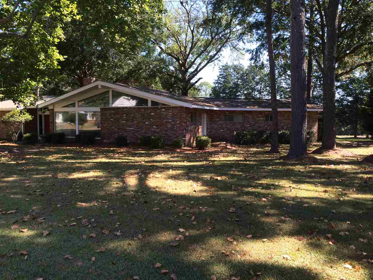Photo of 623 CEDAR ST  Canton  MS