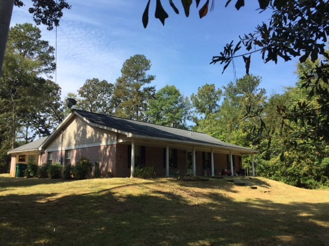 305 Holmes Hollow Ln, Canton, MS 39046