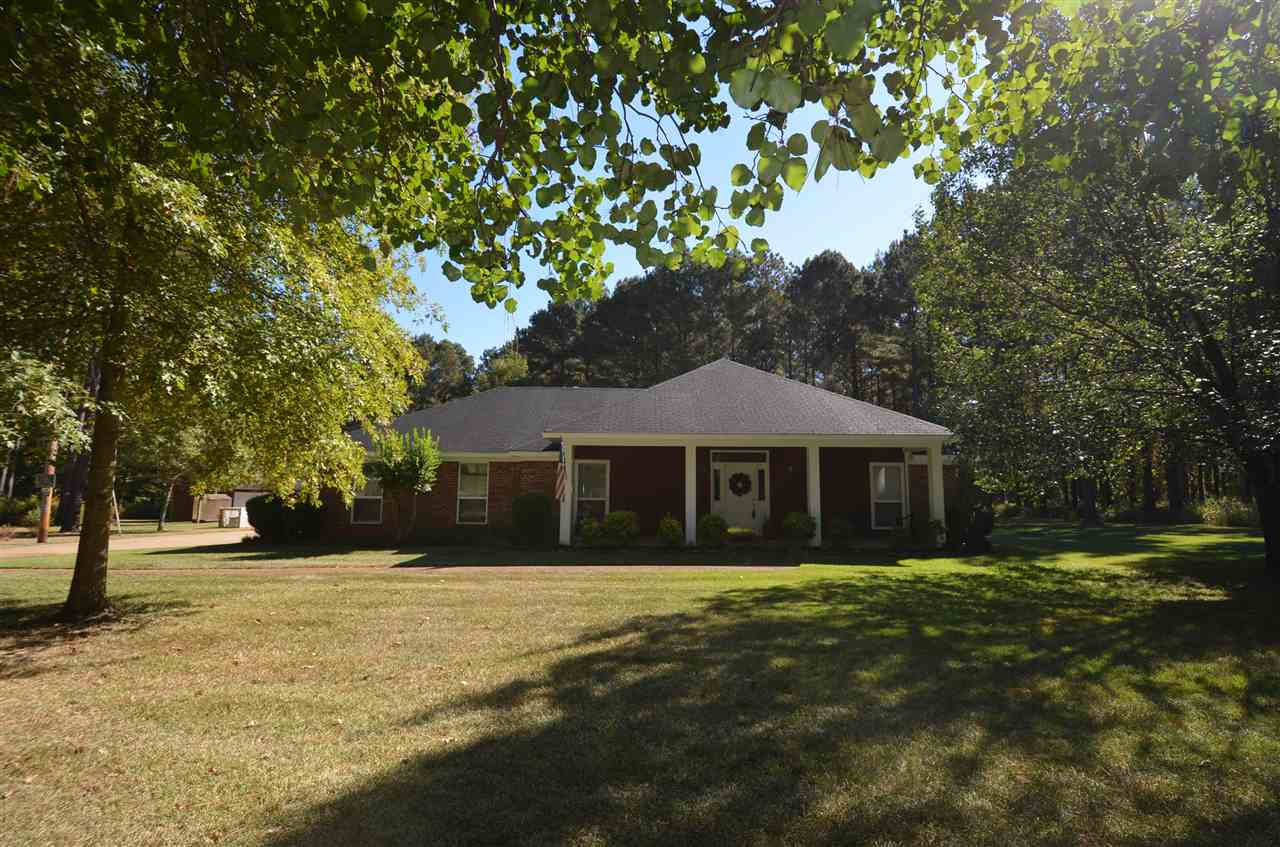 318 Holmes Hollow Ln, Canton, MS 39046