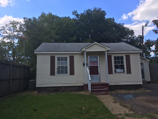 Photo of 1250 MARSHALL ST  Grenada  MS