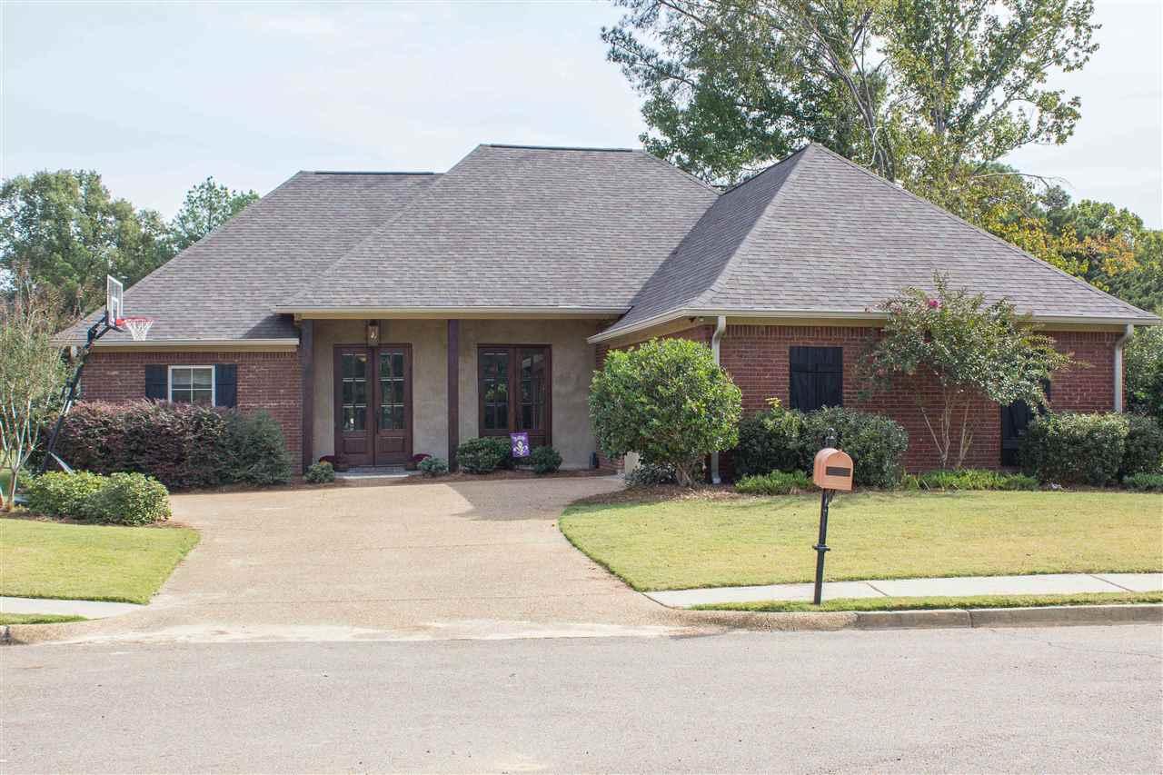 449 Meadowgreen Ln, Canton, MS 39046