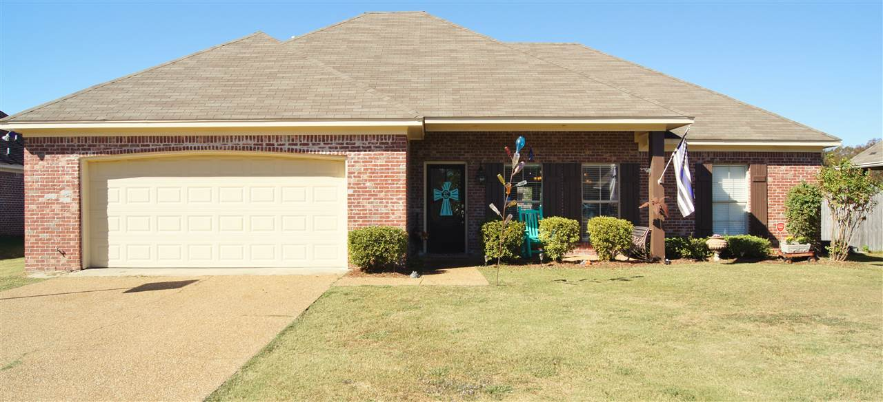138 Creekside Dr, Canton, MS 39046
