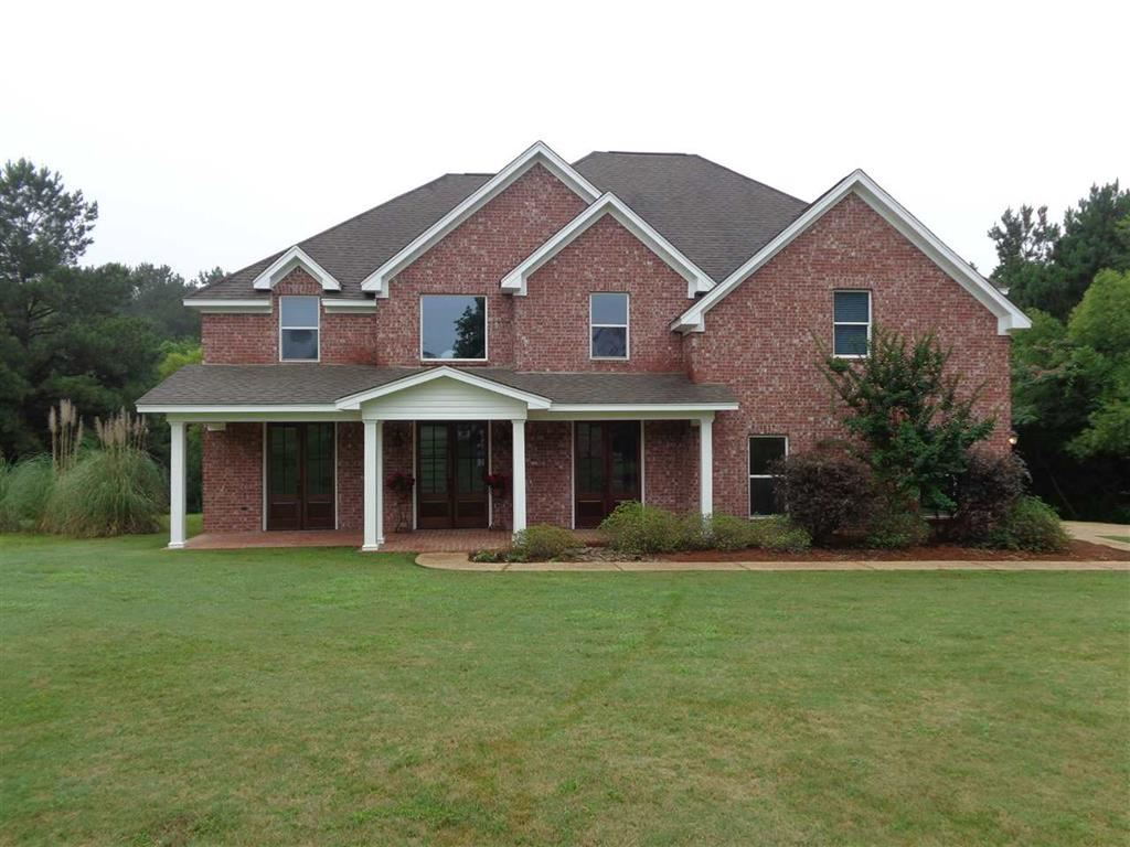 10 Spring Hollow Dr, Crystal Springs, MS 39059