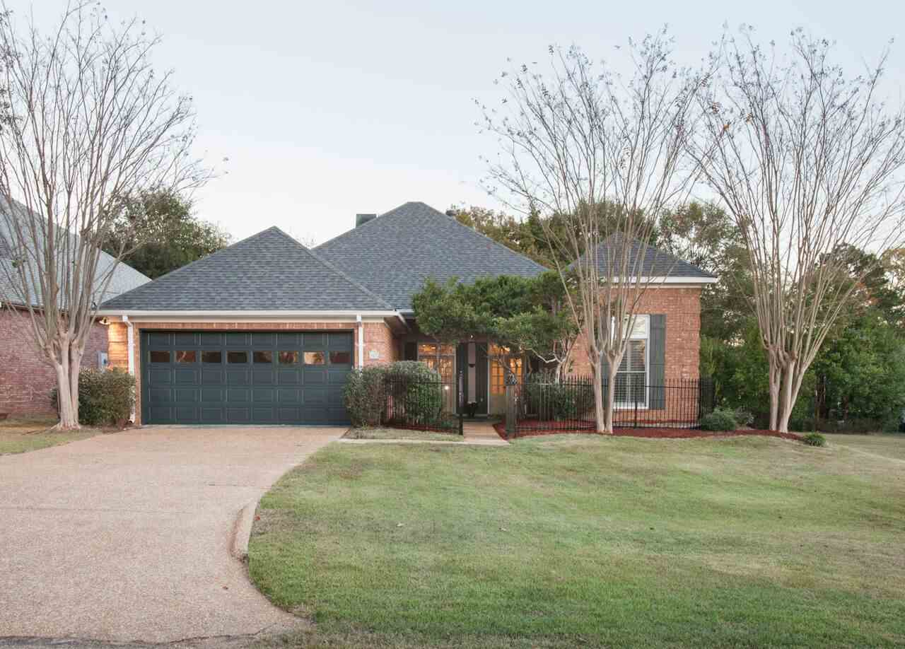 Photo of 807 W DEERFIELD DR  Canton  MS
