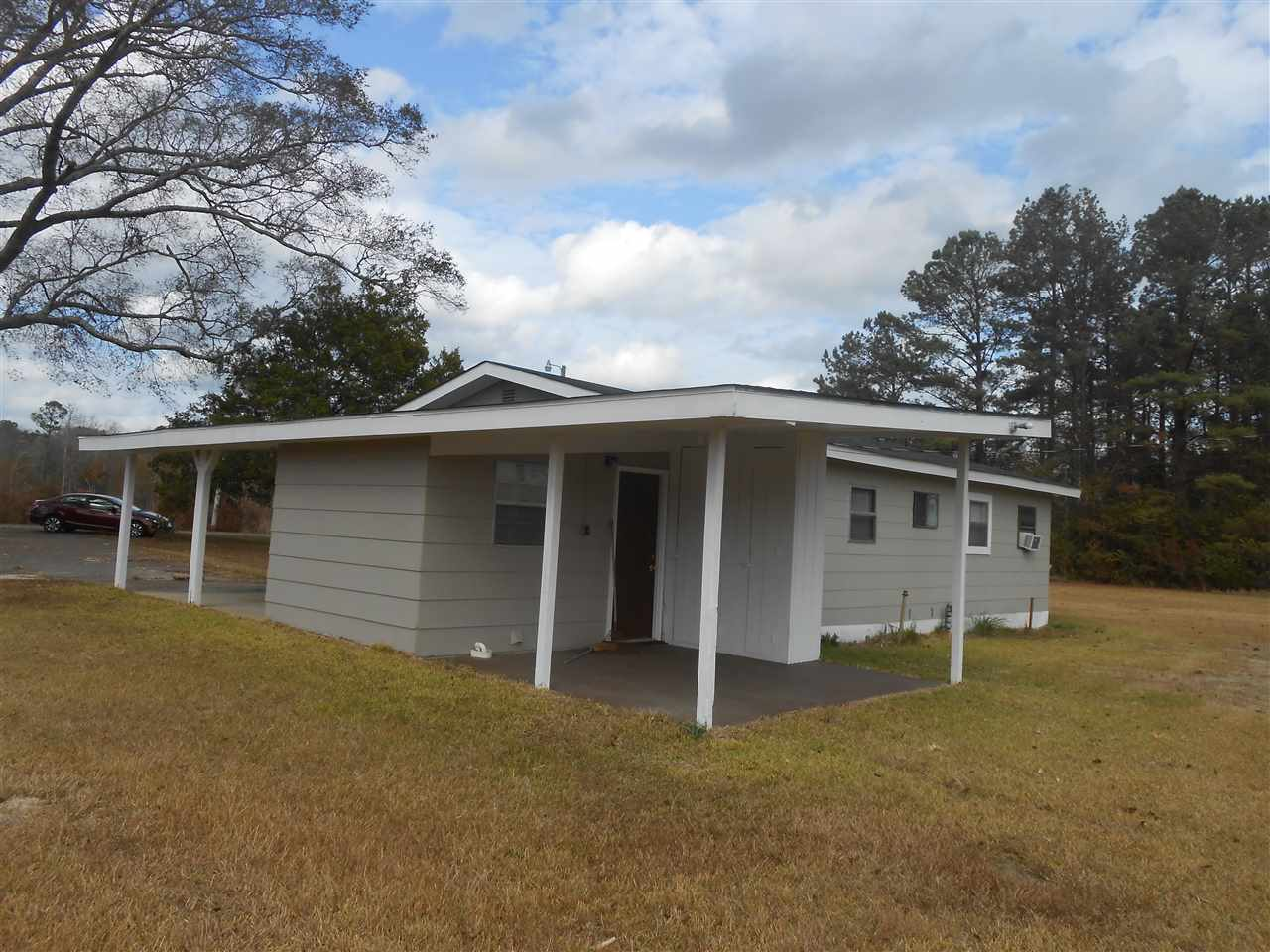 2122 Bexley Rd N, Lucedale, MS 39452
