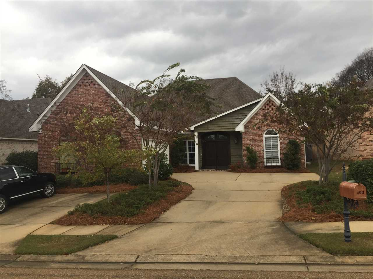 Photo of 303 LASALLE CT  Flowood  MS