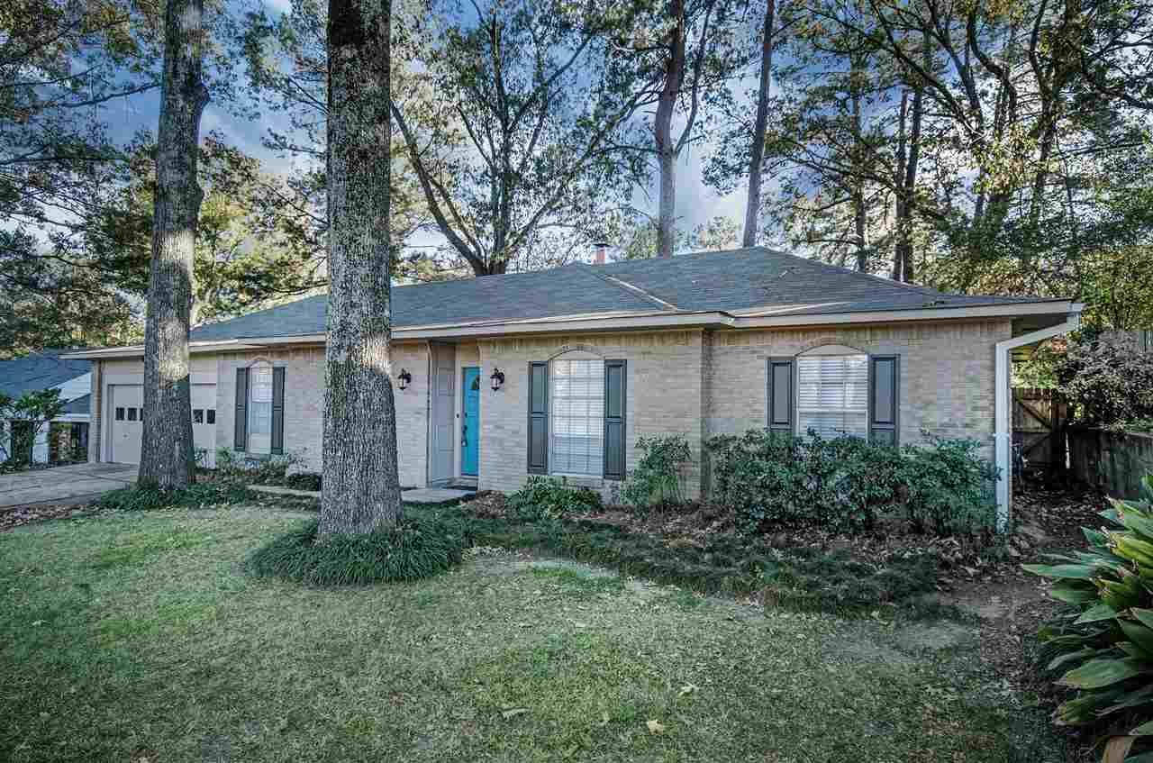 1004 Old Vicksburg Rd, Clinton, MS 39056