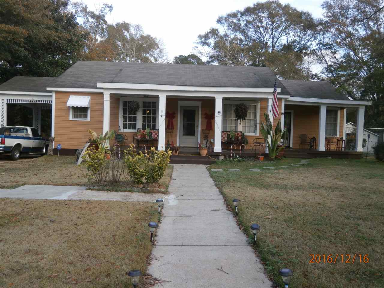 Photo of 212 JACKSON ST  Hazlehurst  MS