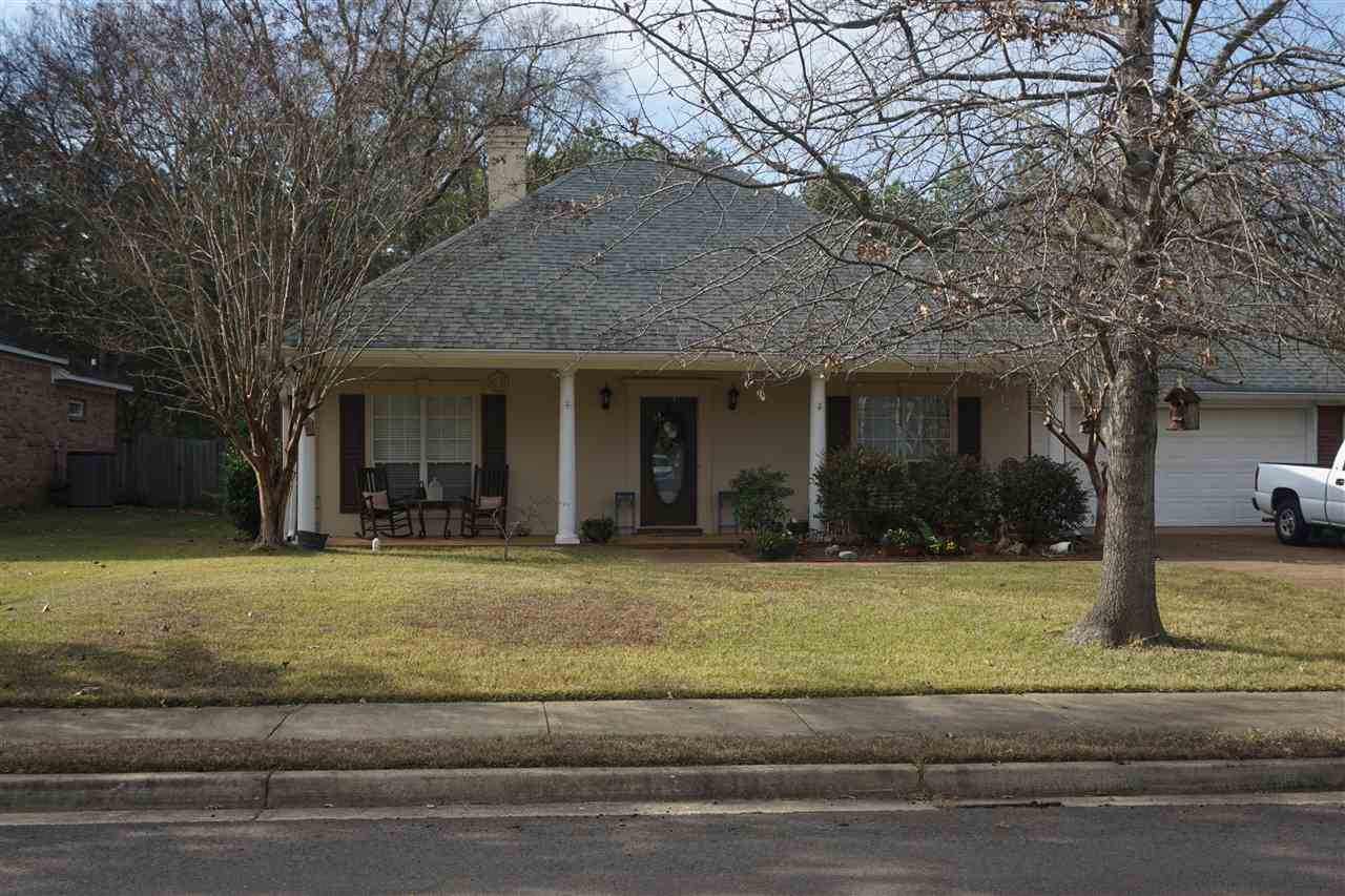 Photo of 720 SPRINGHILL DR  Madison  MS