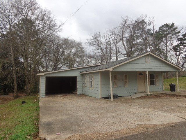 Photo of 303 MOORE ST  Crystal Springs  MS