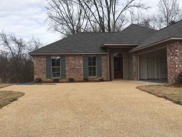 Photo of 121 CEDARSTONE DR  Terry  MS