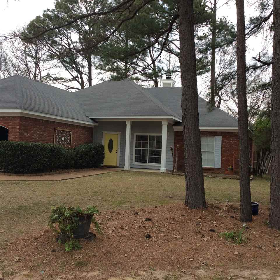Photo of 585 SPRINGHILL DR  Madison  MS