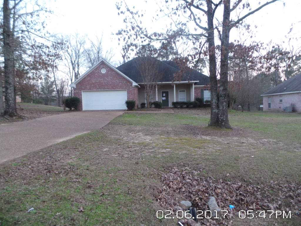 Photo of 709 FOREST WOODS DR  Byram  MS