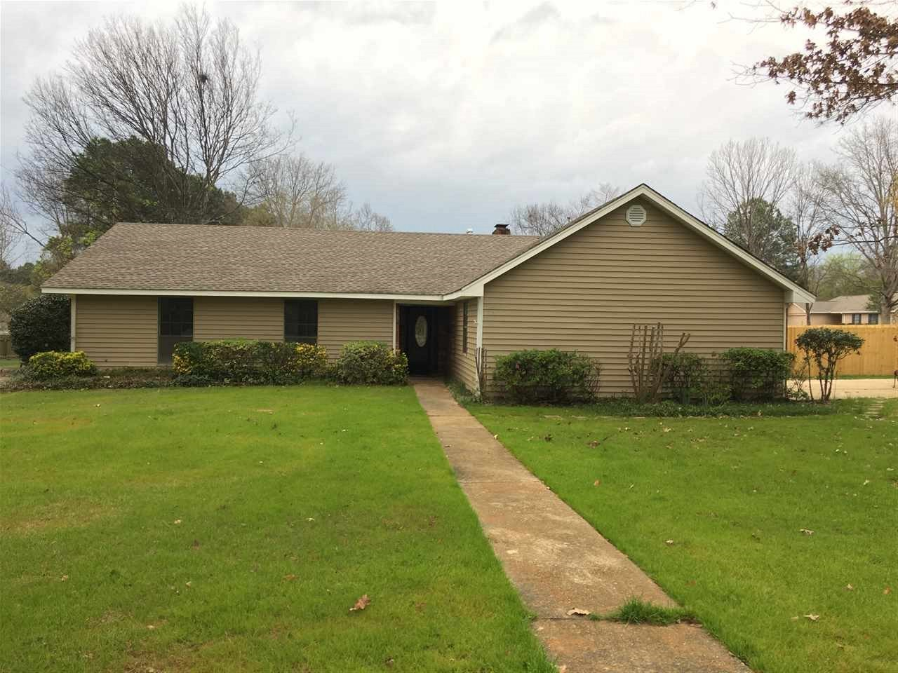 Photo of 225 OAKBEND DR  Madison  MS