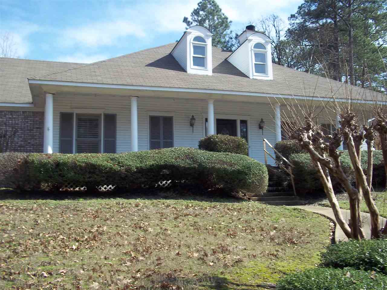 Photo of 82 MOSS WOODS DR  Madison  MS