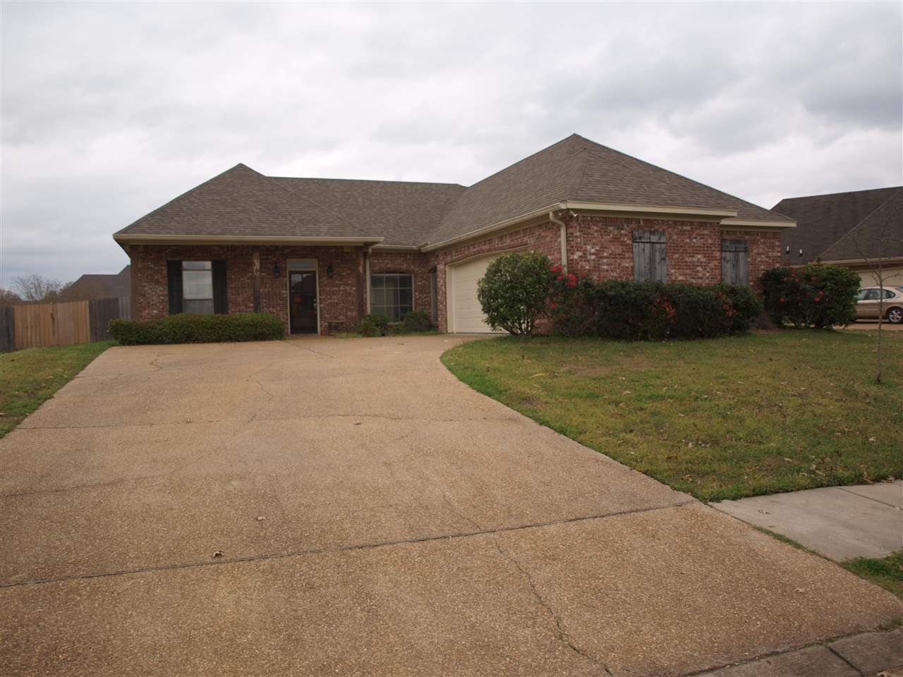 Photo of 104 CREEKSIDE DR  Canton  MS