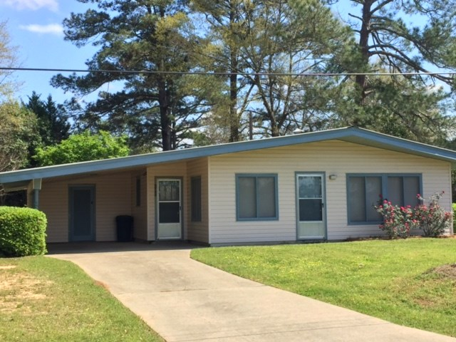 Photo of 102 BRELAND ST  Crystal Springs  MS