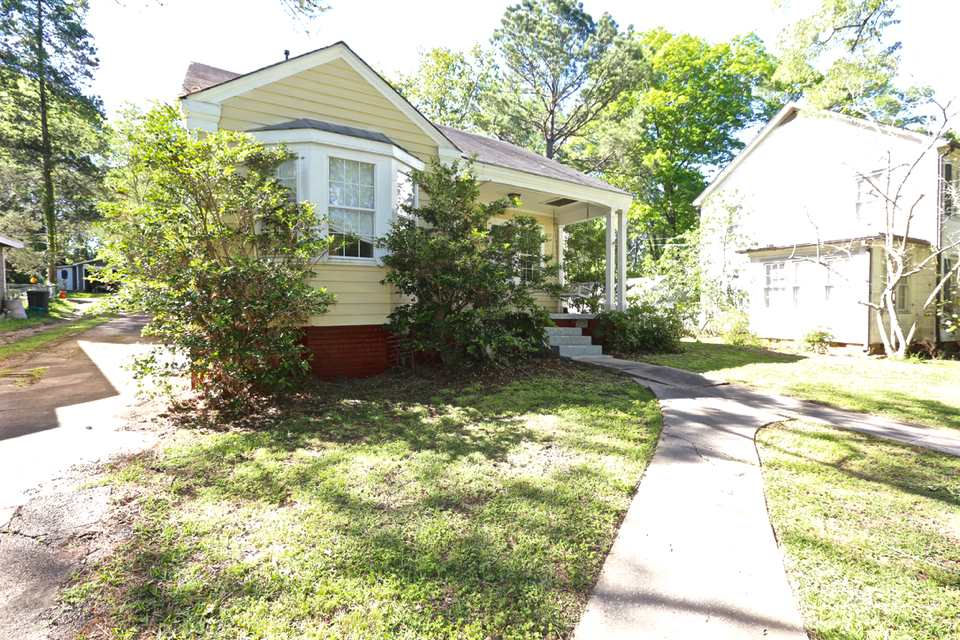 Photo of 4059 PINE HILL DR  Jackson  MS