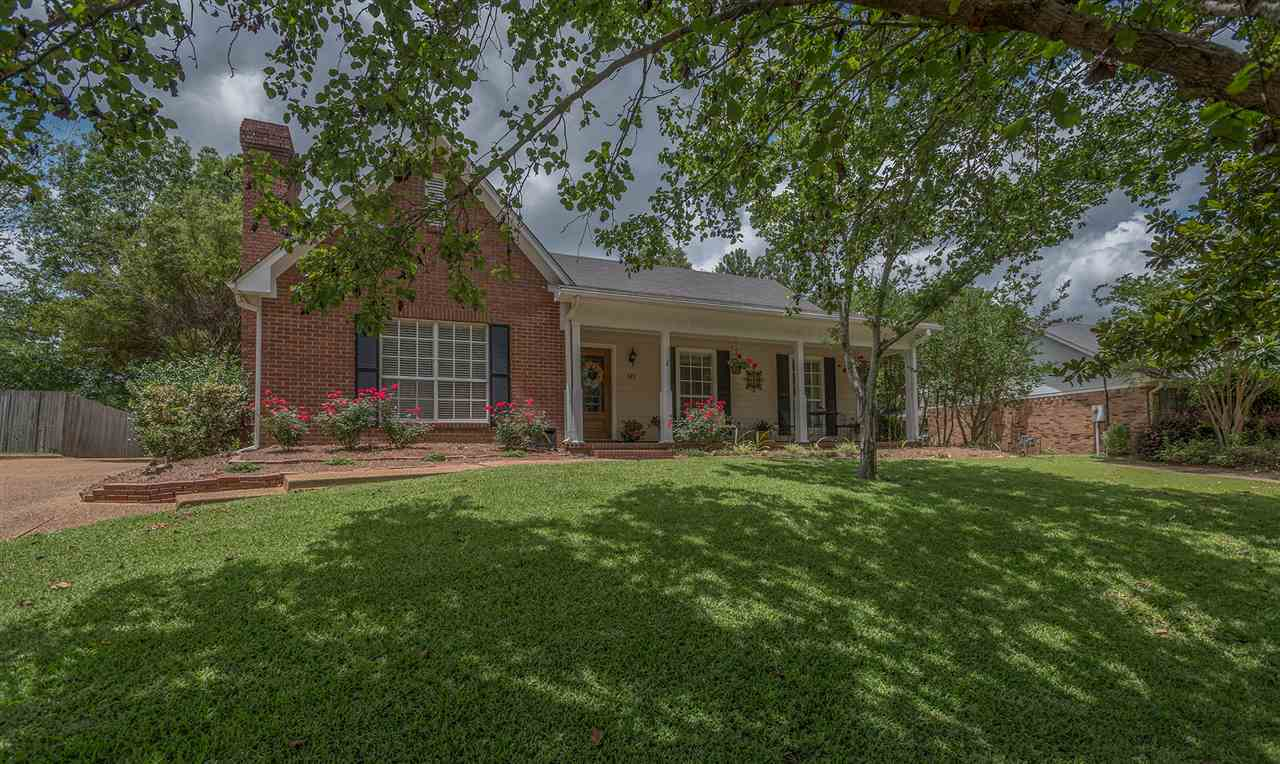 Photo of 428 BRENTWOOD DR  Madison  MS