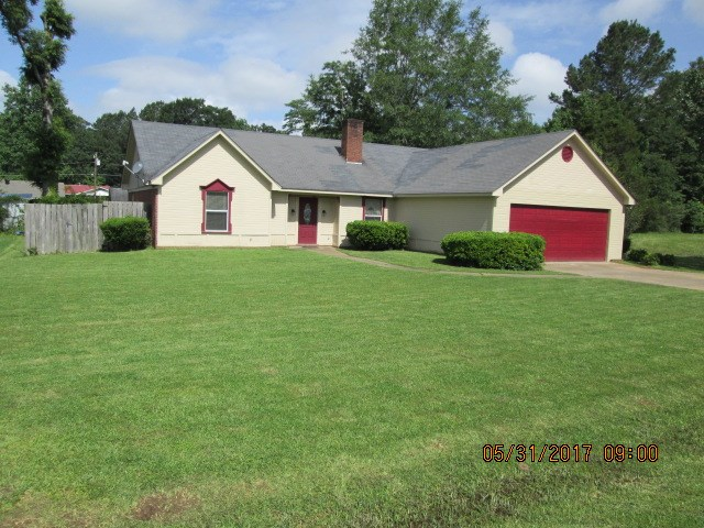Photo of 109 WILEY DR  Carthage  MS