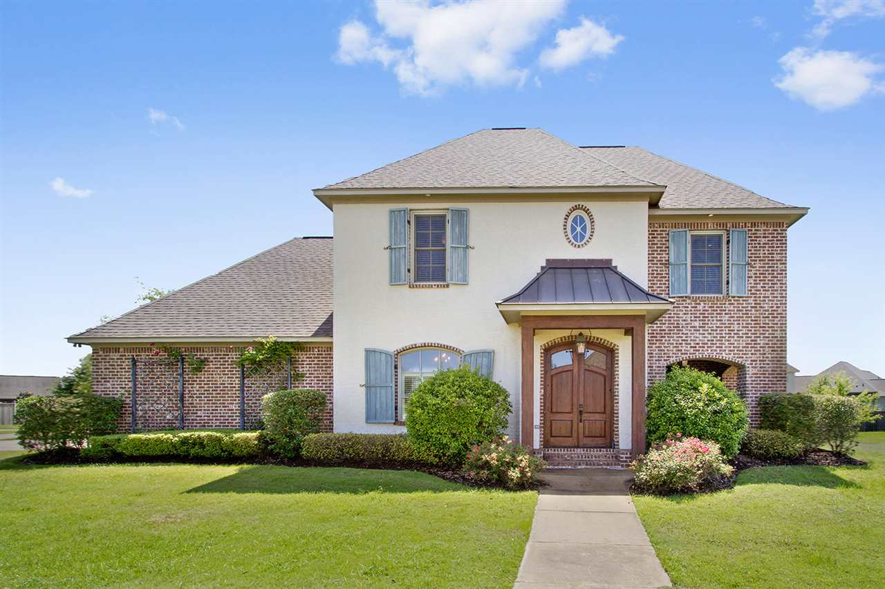 Homes for sale in madison real estate in madison for Home builders madison ms