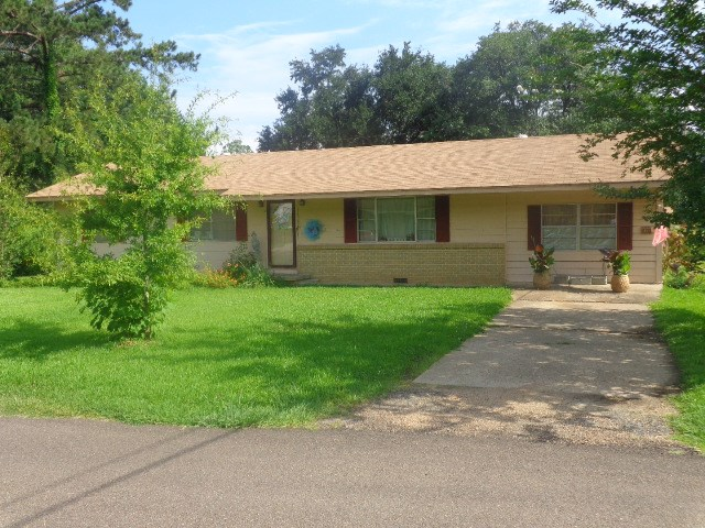 Photo of 109 DALLAS ST  Crystal Springs  MS