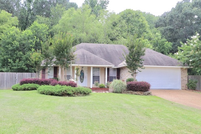 Photo of 513 EAGLEWOOD DR  Florence  MS