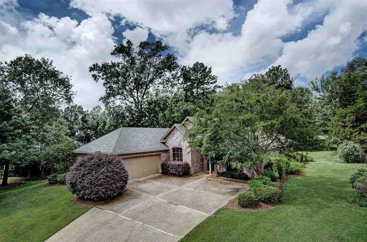 Photo of 413 MEADOWGREEN LN  Canton  MS