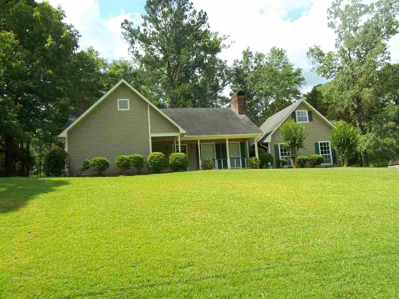 Photo of 106 COUNTRY OAKS DR  Terry  MS
