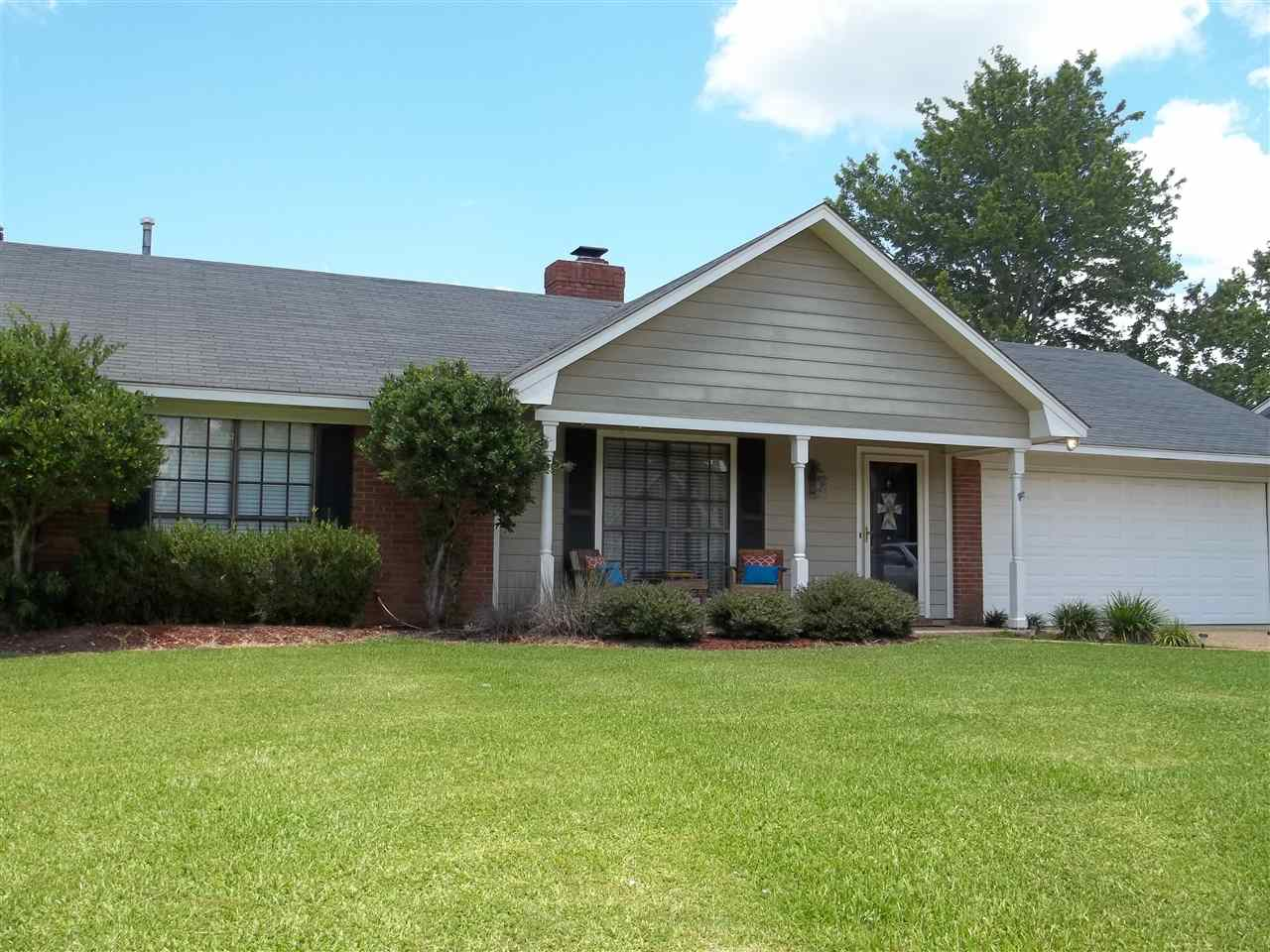 Photo of 620 WATER OAK DR  Madison  MS