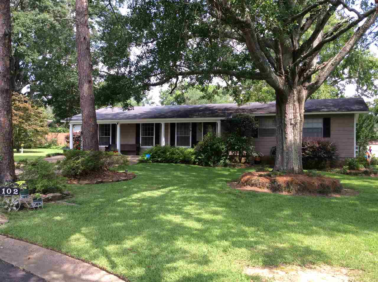 Photo of 102 BRENTWOOD DR  Crystal Springs  MS