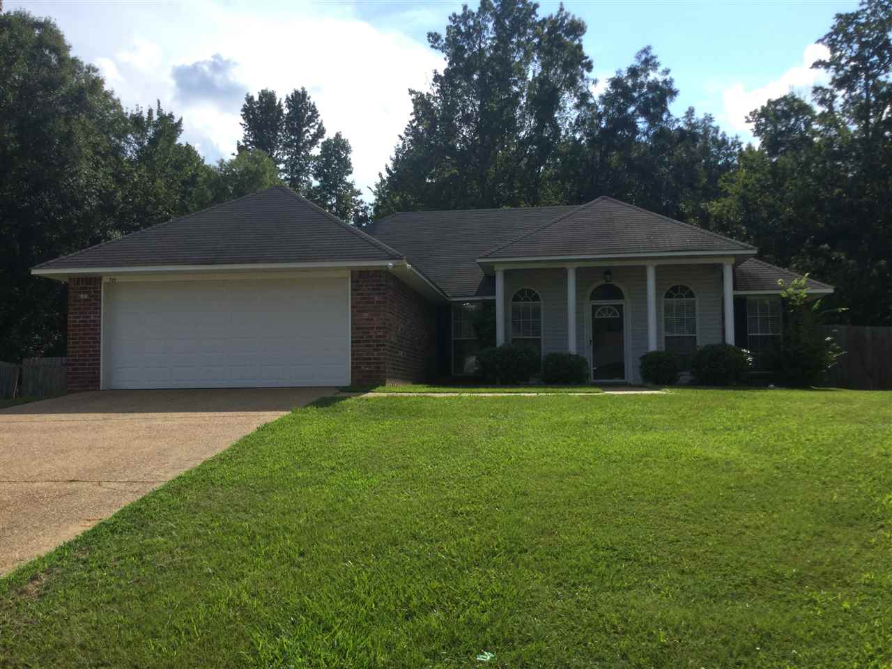 Photo of 539 EAGLEWOOD DR  Florence  MS