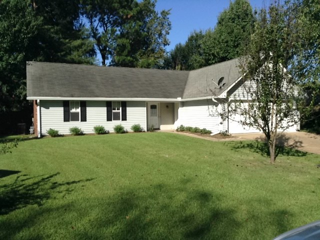 Photo of 119 TWIN OAKS DR  Madison  MS