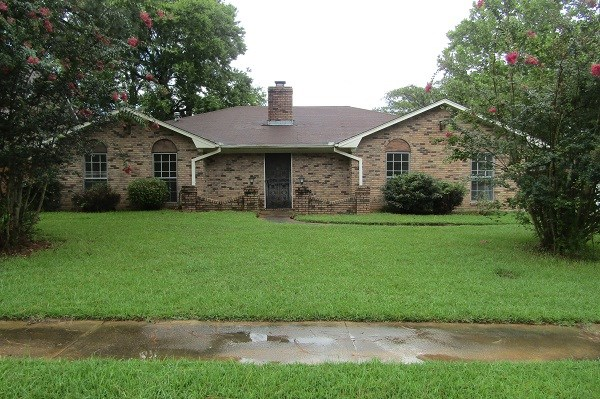 Photo of 1515 HAWTHORN PL  Clinton  MS