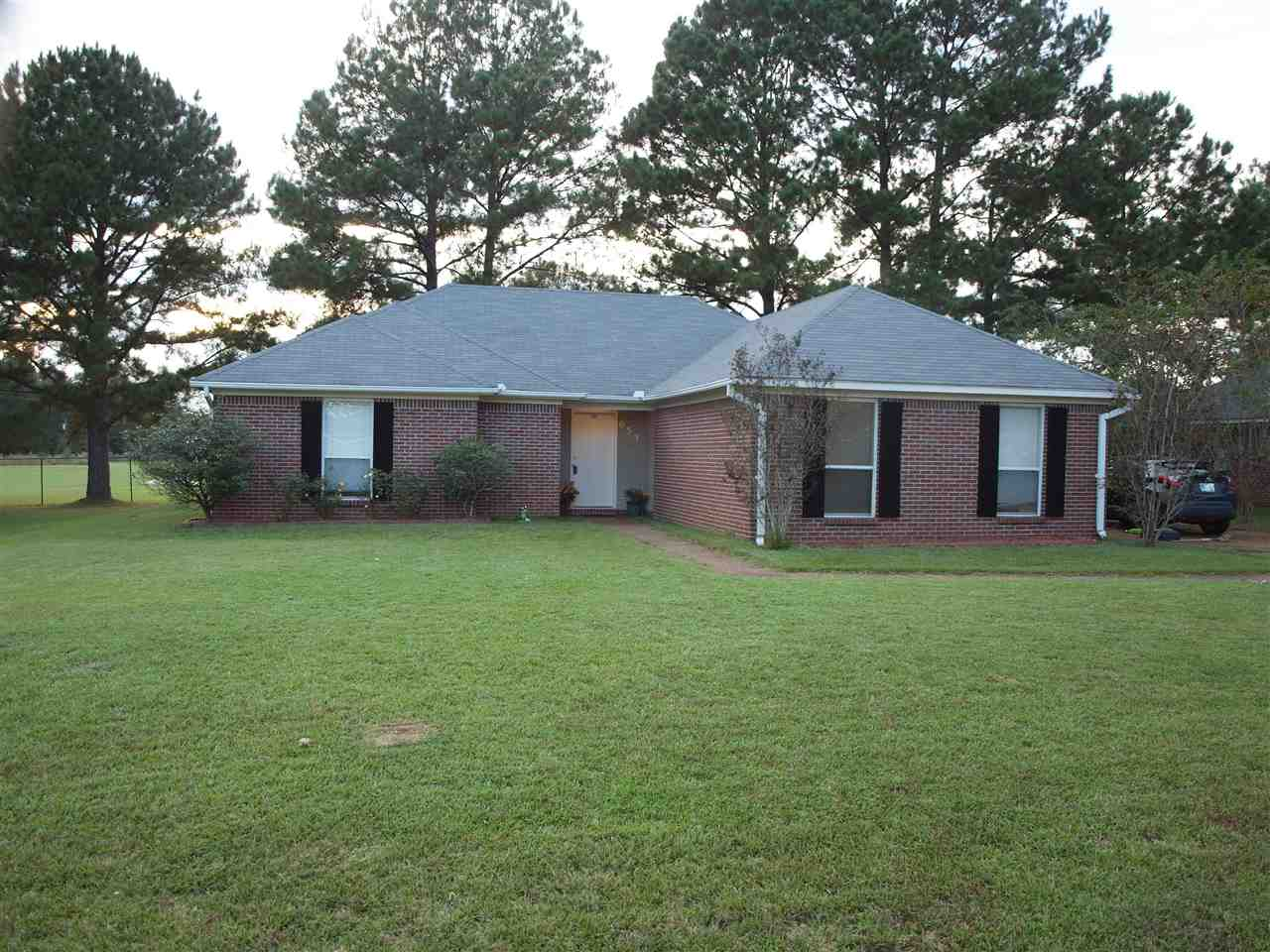 Photo of 653 SOUTHERN OAKS DR  Florence  MS