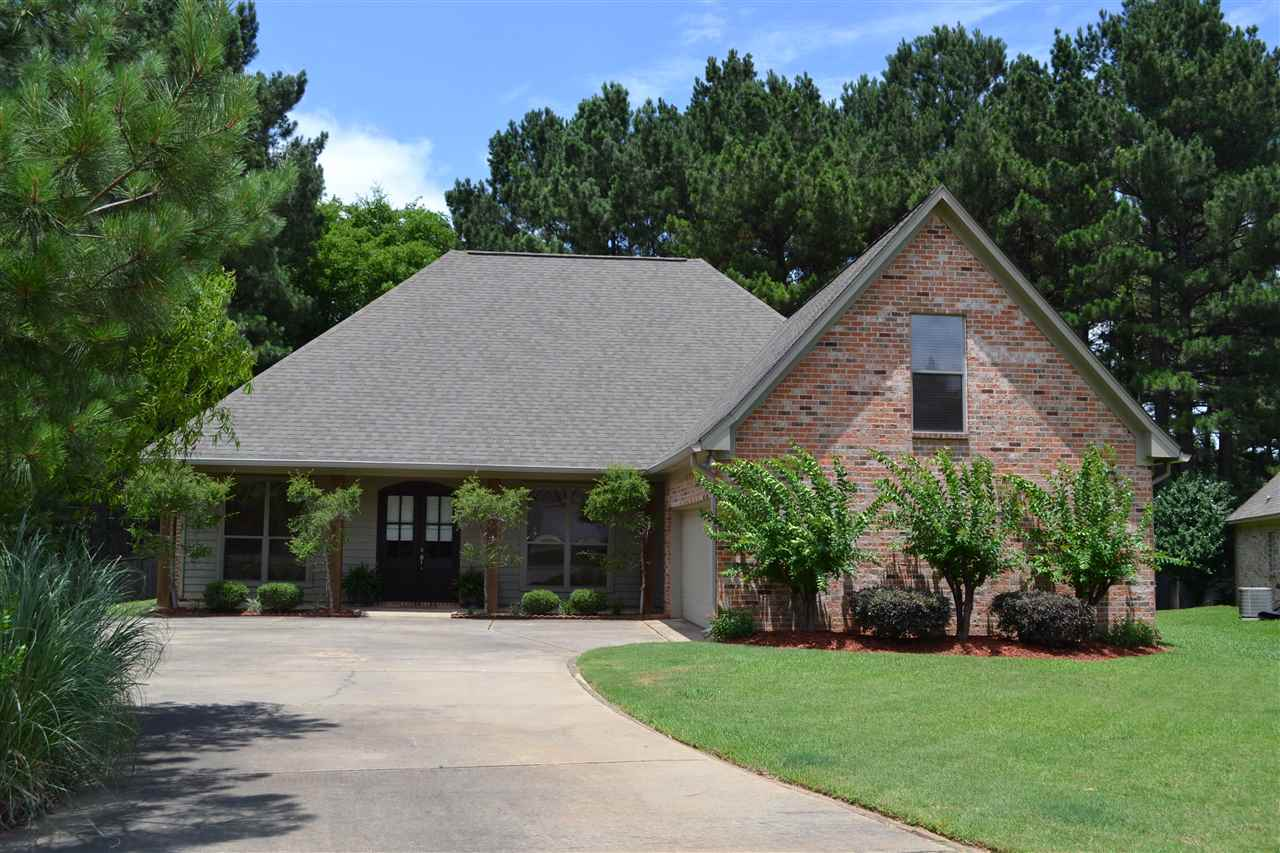 primary photo for 108 HERNDON PL, Madison, MS 39110, US