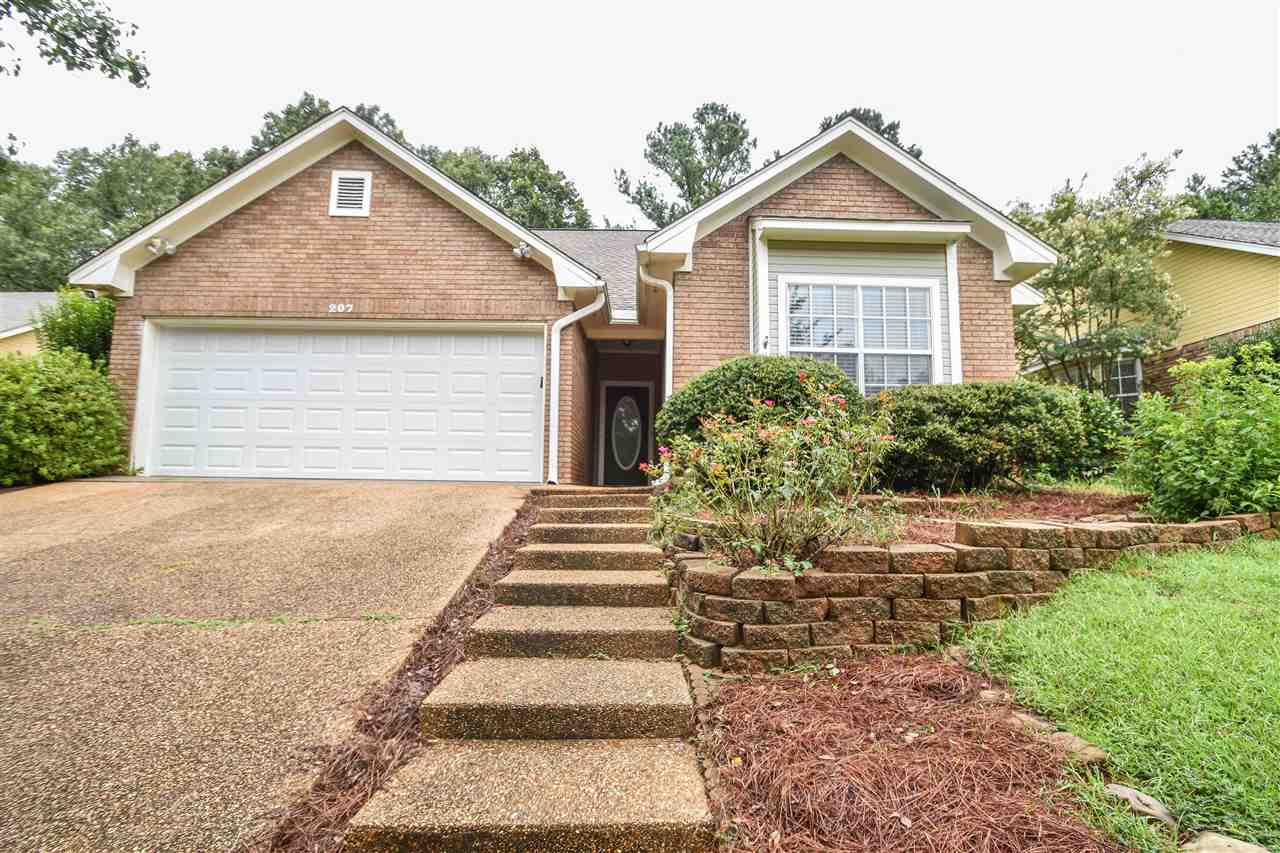 primary photo for 207 HUNTINGTON HILL DR, Clinton, MS 39056, US
