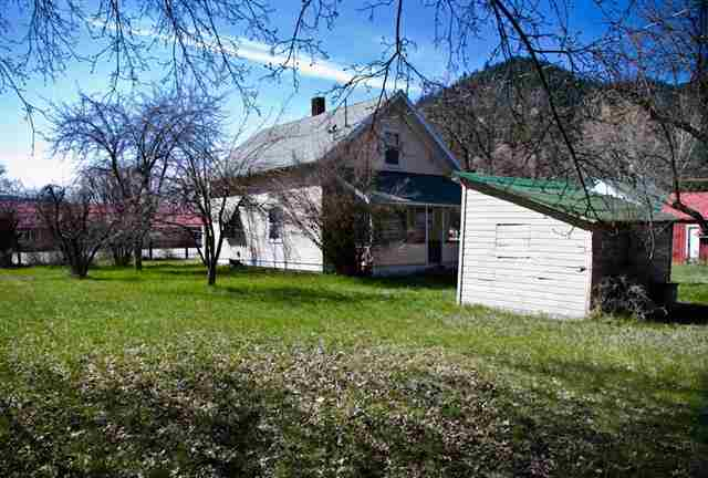 208 Cedar St, Superior, MT 59872