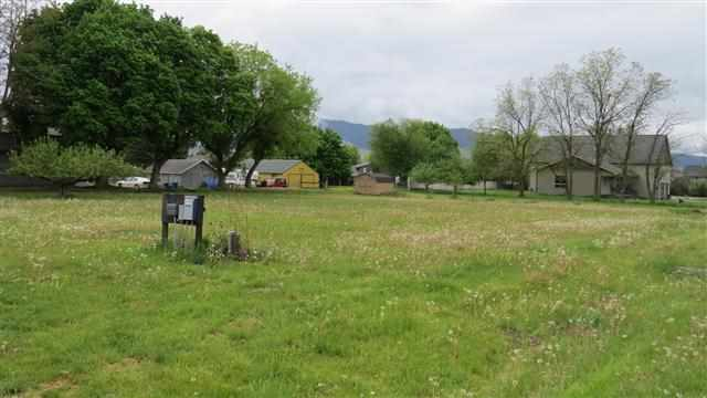 Cora Ct, Missoula, MT 59804