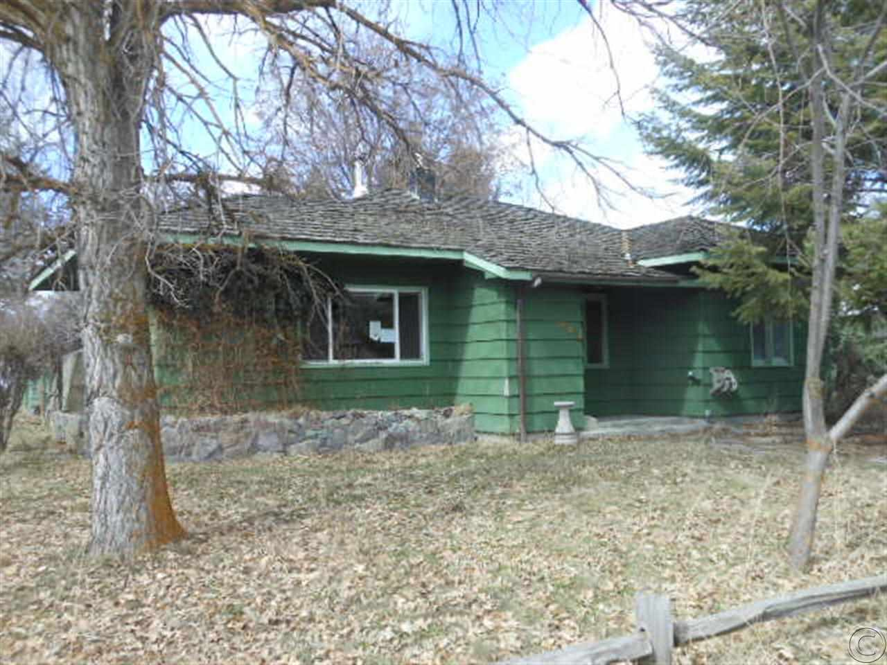 401 W 3rd St, Plains, MT 59859