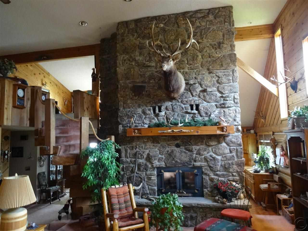 7443 Castle Rock Lake Dr, Colstrip, MT 59323