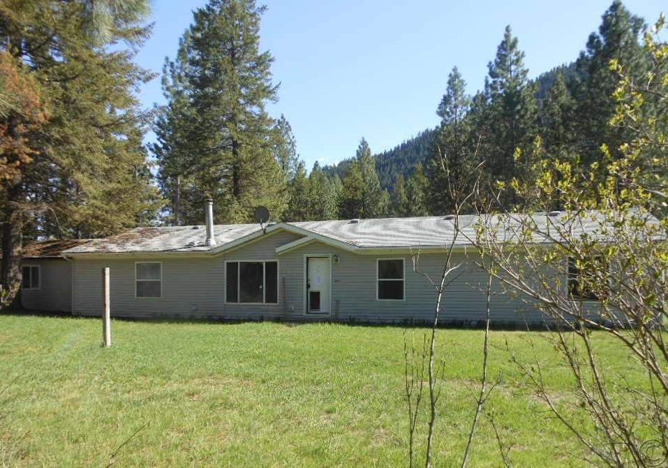 38 Capper Ln, Superior, MT 59872