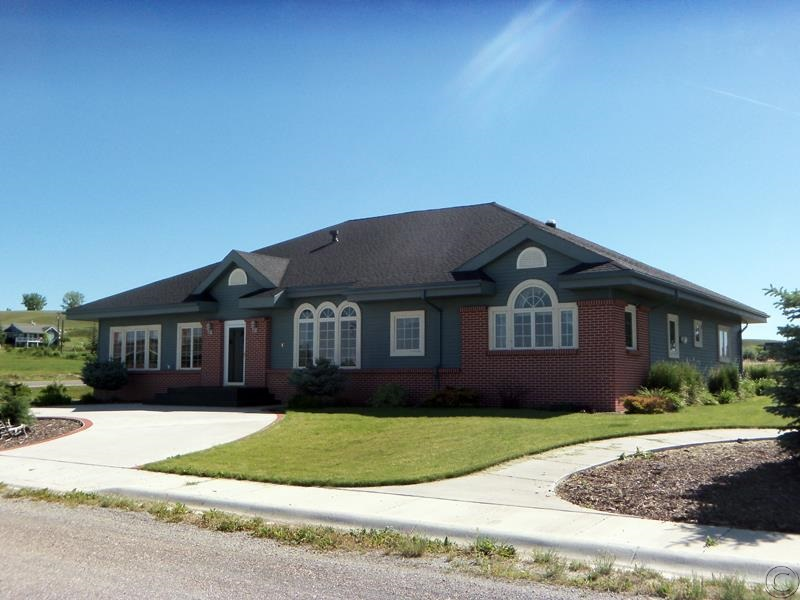 17 10th Ave NE, Choteau, MT 59422